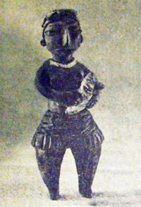 Древнеиндейская дама с собачкой, иначе именуемая Венерой Тлатильской (из коллекции Национального музея антропологии)